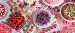 ストロベリーデザートビュッフェ ~お花の世界にかこまれて~