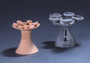 令和3年度春季特別陳列「献ずる器ー 一須賀古墳群を中心に ー」