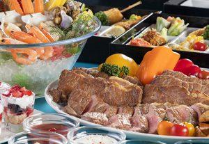 ステーキ&カレー食べ放題!夏の贅沢ディナー