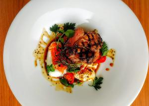 cuisine | プルヴィエ【公式】南港のレストラン「PLUVIER」は型にはまらない幅広い料理が評判