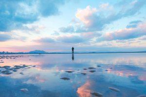 写真で巡る福津の絶景~「光の道」と「かがみの海」~